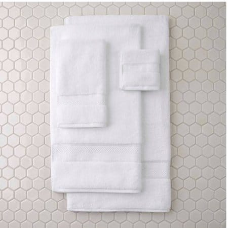 Towels - Bath Shopping Guide - Hall Bath Makeover - UncookieCutter.com