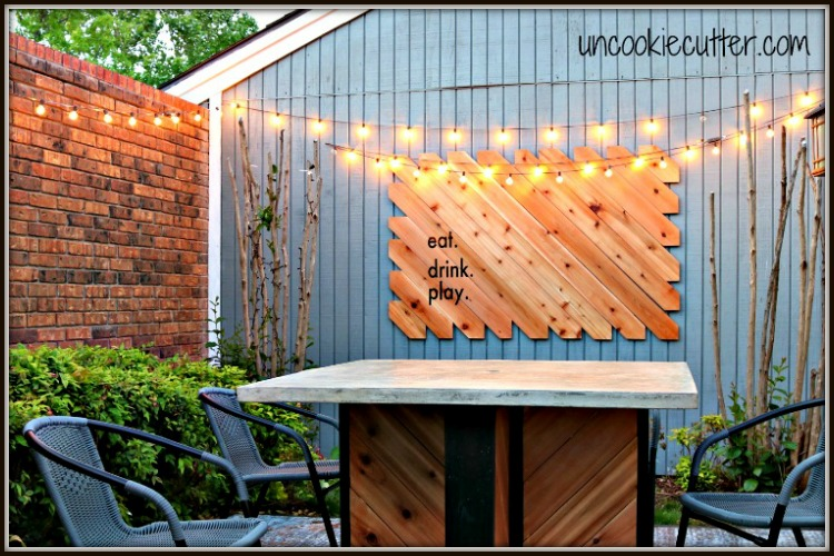 Outdoor Wall Art - A fun & easy sign for the courtyard - UncookieCutter.com